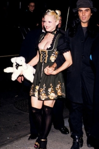 new-madonna-fashion-sex-10151992-617-600