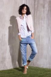 giacca-rosa-e-jeans-rinascimento