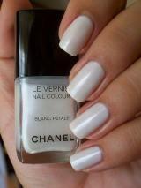 chanel-blanc-petale-smalto-bianco30